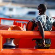 Six mises en examen après le chavirage d'une embarcation de migrants dans la Manche
