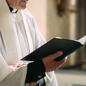 Enquête ouverte pour «violences volontaires» après la prise à partie de catholiques lors d'une procession