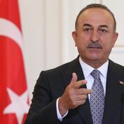 Le chef de la diplomatie turque en visite en France