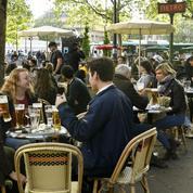 Paris: les terrasses éphémères seront autorisées chaque année du 1er avril au 31 octobre