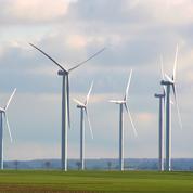 Éoliennes: la circulaire qui presse les préfets d'accélérer leur déploiement attaquée en justice