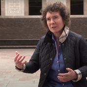 En colère contre son éditeur, la romancière Jeanette Winterson brûle ses propres livres