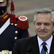 Le président argentin glose sur les origines des Mexicains et des Brésiliens, puis s'excuse