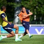 Giroud, Mbappé, Kimpembe...L'entraînement des Bleus en vidéo