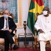 Burkina: une «dizaine de terroristes neutralisés», après le massacre de Solhan