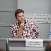 Biélorussie : les autorités exhibent un opposant incarcéré devant la presse