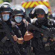 Tours : un homme arrêté par le Raid après avoir tiré sur un médecin et un policier
