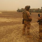 Mali : six soldats français et des civils blessés dans une attaque à la voiture piégée