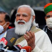 Covid-19 en Inde: vaccination gratuite pour tous, Modi vante les vertus «protectrices» du yoga