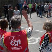 Manifestations pour l'emploi devant des usines de Renault et Stellantis