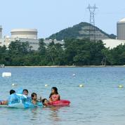 Japon: un réacteur nucléaire de 40 ans remis en marche, une première depuis l'accident de Fukushima