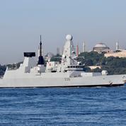 Mer Noire : la Russie annonce un tir de semonces contre un navire britannique, le Royaume-Uni dément