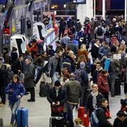 Les grèves de transports menacent les départs en vacances