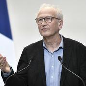 Covid-19 : «Le variant Delta va prendre le dessus», prévient Alain Fischer