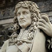 Le militant qui avait tagué la statue de Colbert condamné à 500 euros d'amende