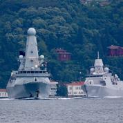 Les Pays-Bas accusent des avions russes d'avoir «harcelé» une de leurs frégates en mer Noire