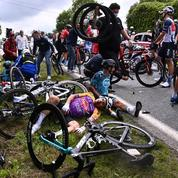 Tour de France : la spectatrice soupçonnée d'être à l'origine de la chute collective en garde à vue