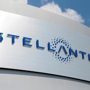 Usines de batteries: Stellantis discute avec l'Italie et Renault, dit Tavares