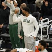 Play-offs NBA : même sans Antetokounmpo, Milwaukee domine Atlanta et se rapproche de la finale