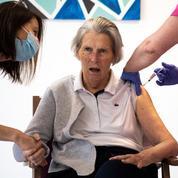 Covid-19 : dans les Ehpad, la vaccination progresse mais reste insuffisante chez les soignants