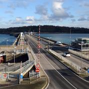Bretagne: rassemblement sur le barrage de La Rance pour plus d'investissements