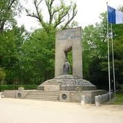 Grenoble : des croix gammées sur un monument aux victimes d'Auschwitz