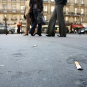 Mégots de cigarette: Barbara Pompili présente aujourd'hui son plan antipollution