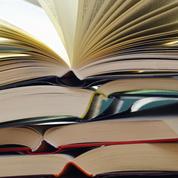 Faites-vous la différence entre une préface et une introduction?