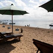 Covid-19 : premiers touristes étrangers sans masques expulsés de Bali