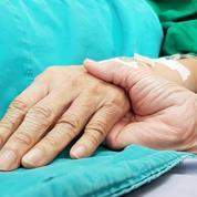 Risque de décès lié au Covid-19 accru chez les malades du cancer, selon une étude