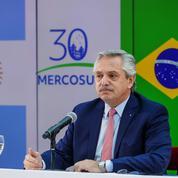 Cuba: le président argentin demande la levée de l'embargo, rejette toute ingérence étrangère
