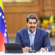 Dix paramilitaires colombiens tués dans des affrontements à Caracas, selon Maduro