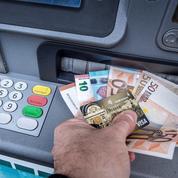 Les distributeurs de billets toujours moins nombreux en France