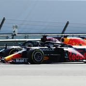 Dépassement limite, célébration polémique et tensions : les clés pour comprendre l'accrochage Hamilton-Verstappen