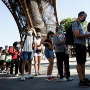 Tour Eiffel: des tests antigéniques pour les visiteurs sans passe sanitaire