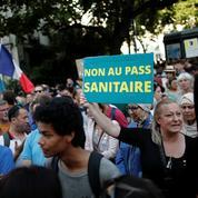 Pourquoi des anti-passe sanitaire appellent à manifester en blanc