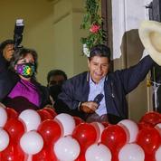 Pérou: démission du chef des forces armées après la victoire présidentielle de Castillo