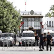 Tunisie : l'UE demande un retour rapide de «la stabilité institutionnelle»