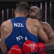 JO : Un boxeur marocain imite Mike Tyson et tente de mordre son adversaire en plein combat