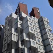 Au Japon, la futuriste Nakagin Capsule Tower à Tokyo bientôt démantelée pour être sauvée