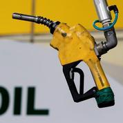 Le pétrole avance sur fond de stocks et de dollar plus faibles
