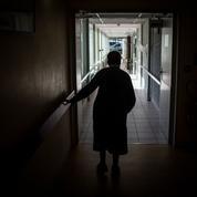 Covid-19 : dans les Ehpad, la vaccination des soignants accélère