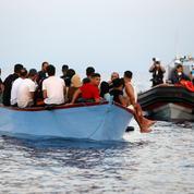 Grèce : trois migrants portés disparus après le naufrage de leur canot au large de Lesbos