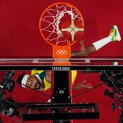 JO : pourquoi le basket se joue avec des grands panneaux derrière les paniers