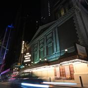 Vaccins et masques seront obligatoires pour la réouverture de Broadway