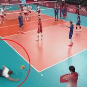 JO, Volley : le plongeon désespéré du sélectionneur français pour aller sauver un ballon