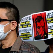 Hongkong: accusé de corruption, un chanteur démocrate assigné à résidence pendant un an et demi