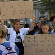 Obligation vaccinale : des syndicats s'agacent des mots de Véran sur la grève des soignants