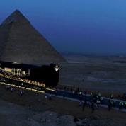 La barque solaire de Khéops entreprend son dernier voyage vers le Grand Musée égyptien du Caire