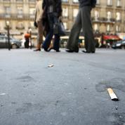 Les collectivités recevront 80 millions d'euros par an pour ramasser les mégots de cigarettes